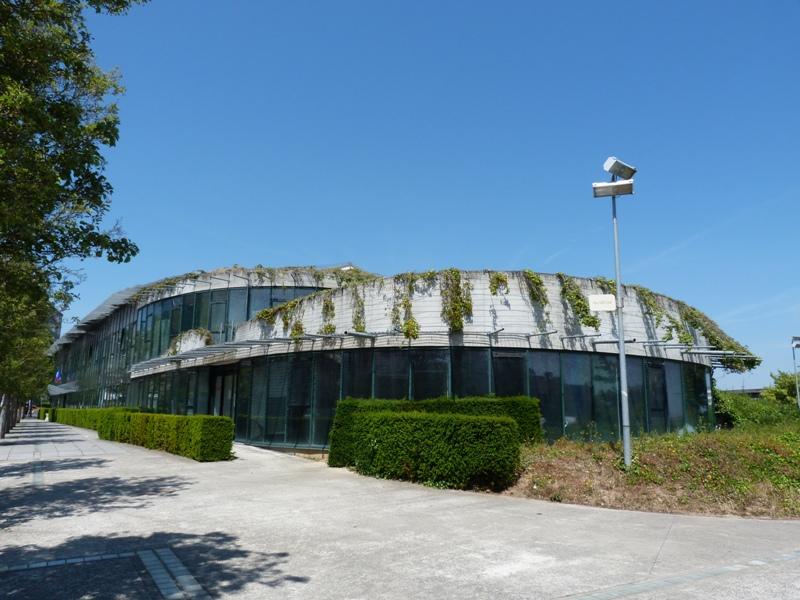 Entre ville nouvelle et nouvelle ville le c ur d for Architecture futuriste ecologique