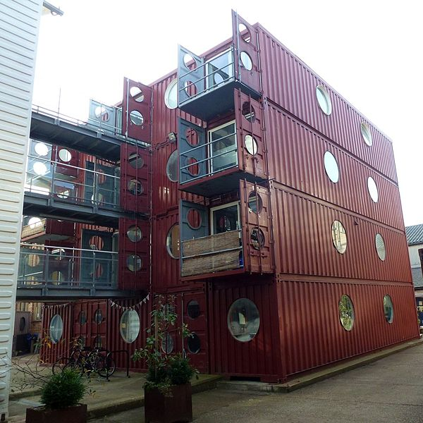 Container d tails d 39 architecture Immeuble container