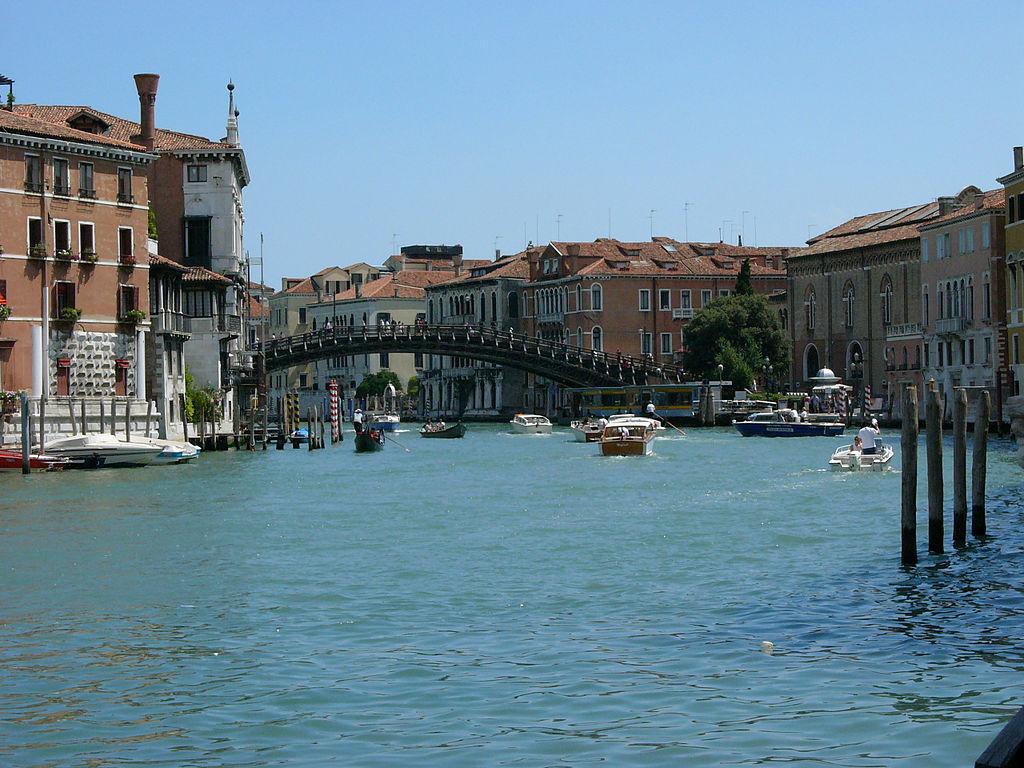 Venise d tails d 39 architecture for Architecte italien contemporain
