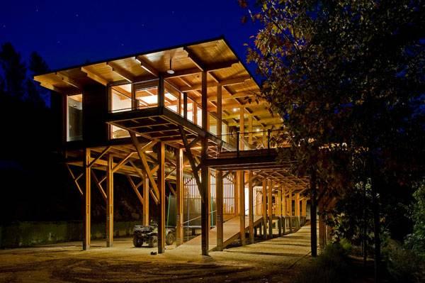 Au fond de la for t une maison d tails d 39 architecture for Architecture qui se fond dans le paysage