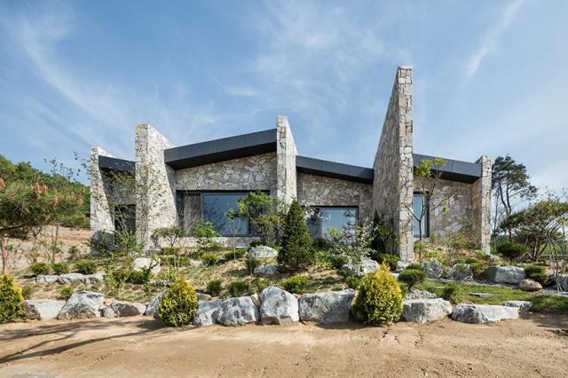 Pierre d tails d 39 architecture - Maison en pierre giordano hadamik architects ...