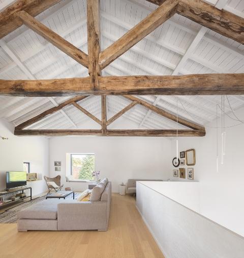 reconversion d tails d 39 architecture. Black Bedroom Furniture Sets. Home Design Ideas